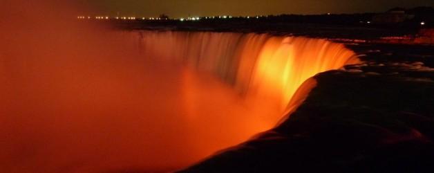 """""""Wasser, Marsch!"""" in Niagara Falls"""
