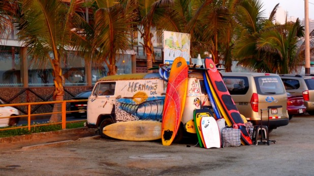 Surfer-Van in Lima