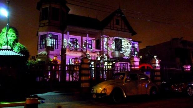 Ein Haus an Noche en blanco (Kulturnacht) in Barranco