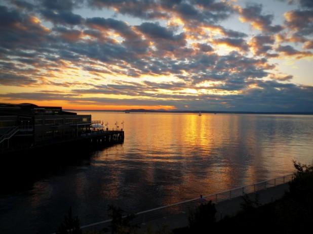 Sonnenuntergang bei der Ankunft. Es fühlt sich gut an wieder unterwegs zu sein.