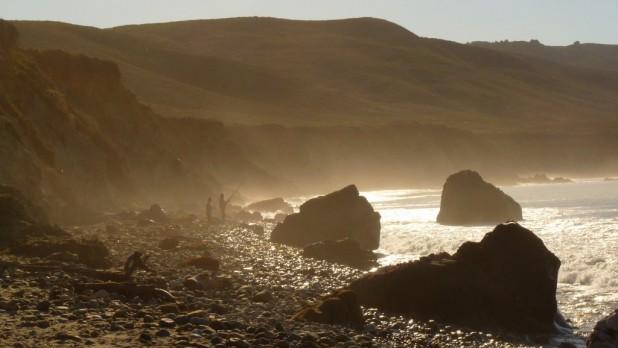 Fischer zum Sonnenaufgang in Big Sur